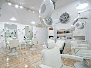 Chọn giấy dán tường cho salon tóc theo phong thủy
